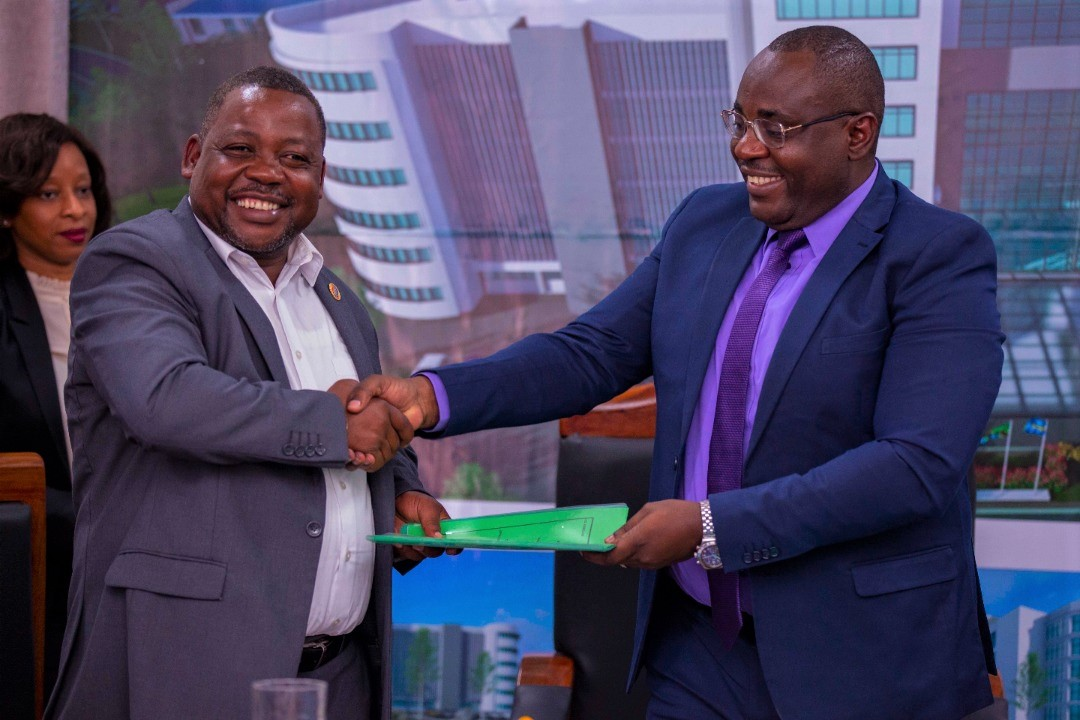Ministry, NHC ink deal for office building construction